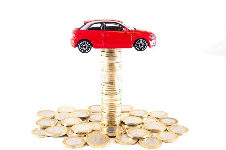 Le gouvernement rend le permis de conduire moins cher