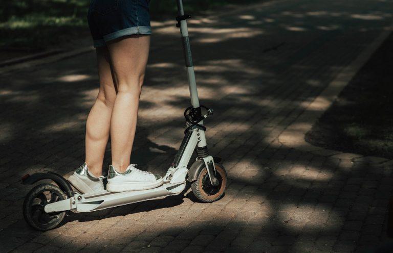 Se déplacer aisément dans les milieux urbains avec une trottinette électrique